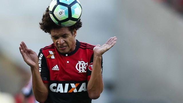 Flamengo vende Willian Arão para clube europeu por R$ 10 milhões