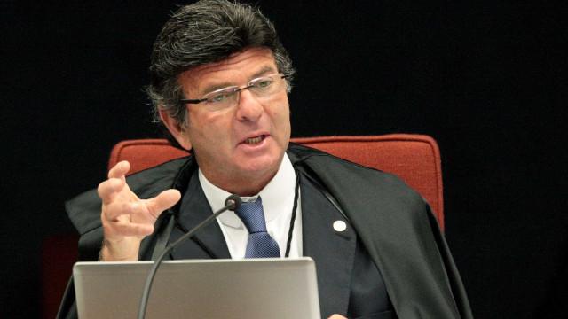"""Candidatos ficha-suja estão """"fora do jogo democrático"""", diz Fux"""
