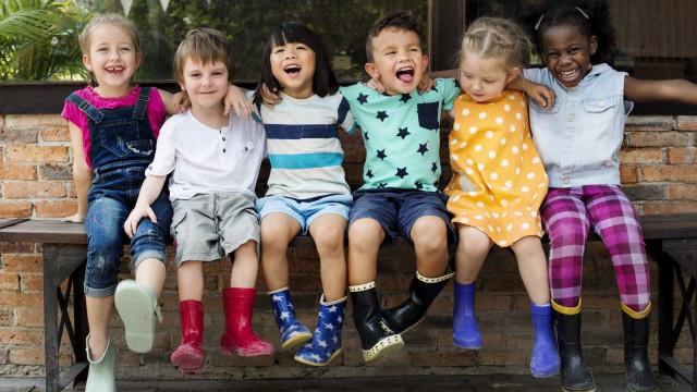 Distúrbio auditivo pode afetar desenvolvimento da fala em crianças