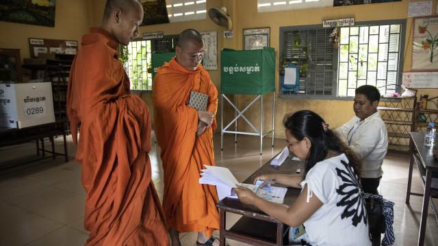 Principal partido do Camboja afirma ter vencido eleições gerais
