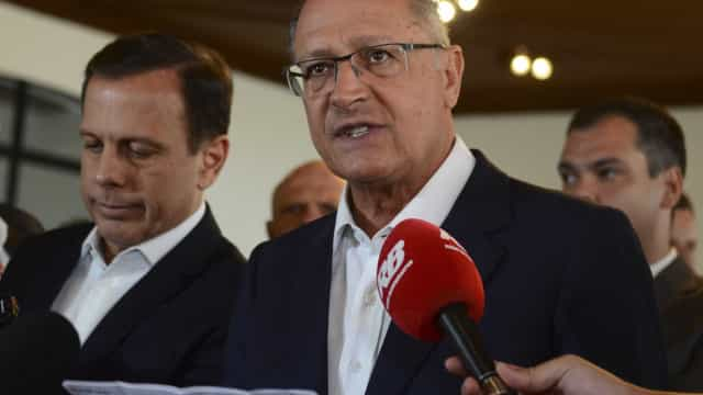 Encontros com evangélicos foram praxe em gestões Alckmin e Doria