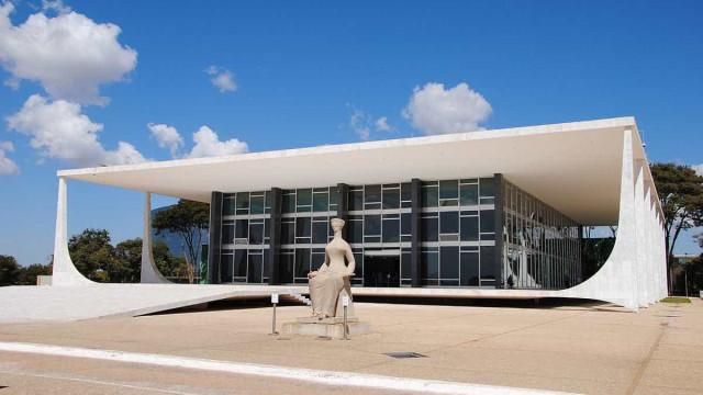Filhas solteiras do STF recebem pensão de R$ 33,7 mil