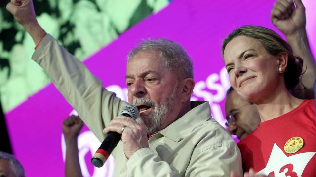 Em convenção, PT deve apresentar Lula e ainda não indicar vice