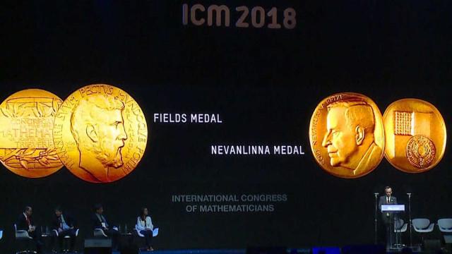 Medalha Fields é furtada no Rio logo após premiação