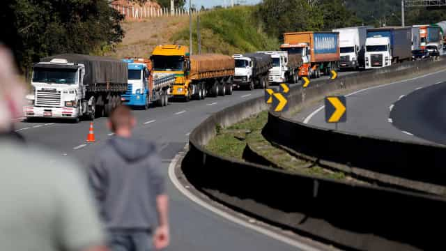 Câmara aprova medidas que governo negociou com caminhoneiros