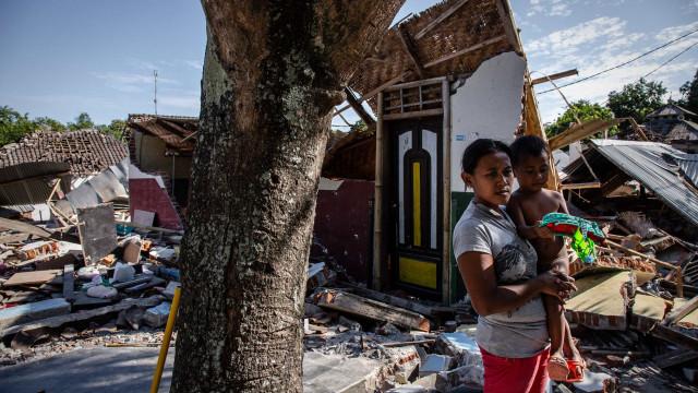 Veja como ficou a ilha de Lombok após terremoto destruidor na Indonésia