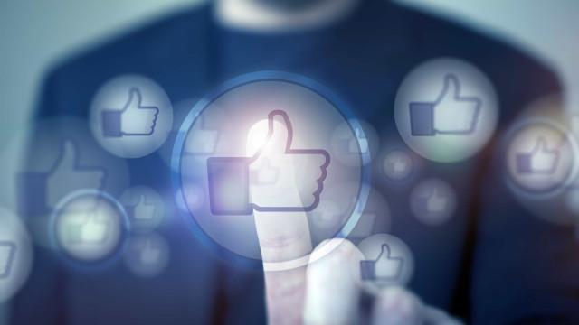Candidatos pagam para alcançar eleitores de adversários no Facebook