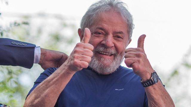 STJ nega recurso da defesa de Lula para suspender prisão