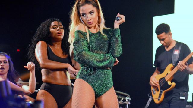 Contratantes divulgam nota de repúdio contra Anitta após show