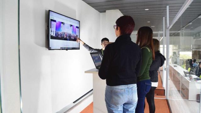 Empresas adotam reunião em pé para encurtar duração