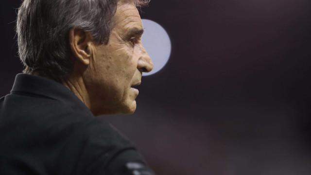 Vitória anuncia contratação do técnico Paulo César Carpegiani