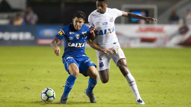 Santos busca reverter má fase e desvantagem diante do Cruzeiro