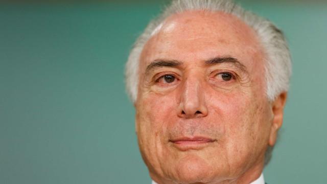 Temer, Eunício e Maia vão à posse do presidente do Paraguai