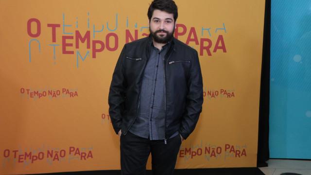 Conheça Leo Bahia, a POC de 'O Tempo Não Para' que virou meme