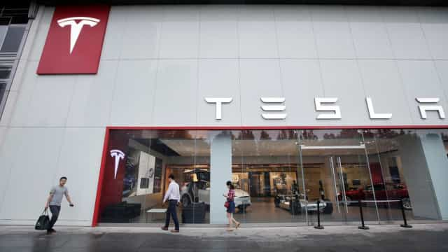 Ex-funcionário denuncia Tesla por espionagem