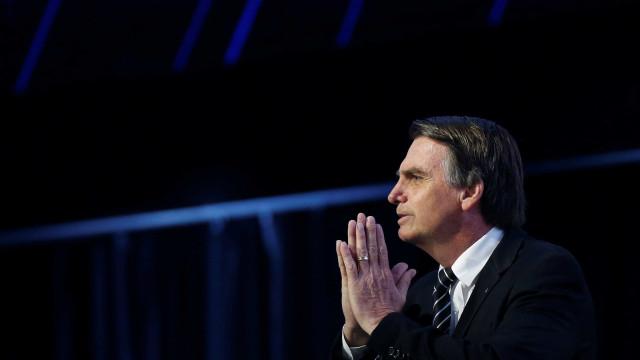 Em debate, Bolsonaro cita passagem bíblica para justificar armamento
