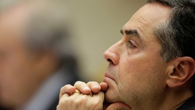 Ministros defendem terceirização e decisão do STF fica para quinta
