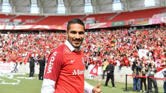 Guerrero fica fora de convocação do Peru pós-Copa e pode jogar Gre-Nal