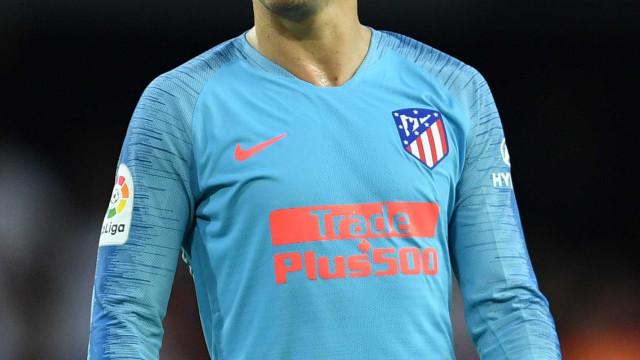 Com gol de Griezmann, Atlético de Madrid vence a primeira no Espanhol