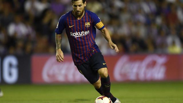 Com 'ajuda' do VAR, Barcelona vence Valladolid pelo Espanhol