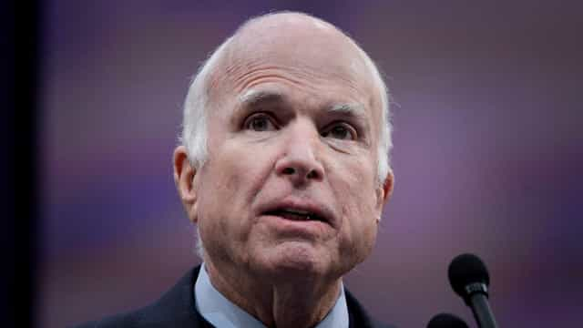 John McCain, herói de guerra e adversário de Obama, morre aos 81 anos