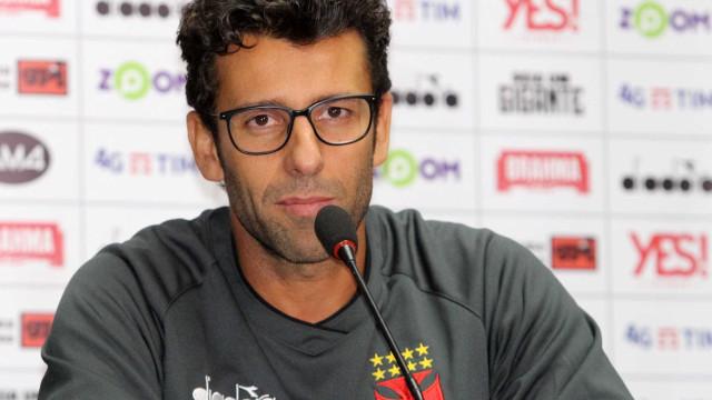 'Vejo o Vasco com um elenco forte', diz Valentim no encontro com time
