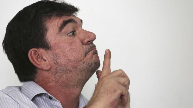 Palmeirenses intimidam presidente do Corinthians em banheiro de festa