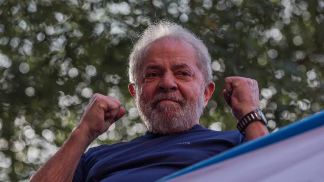 Lula aparece na TV destacando feitos do governo