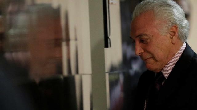 Planalto é informado que ferimento de Bolsonaro não é superficial