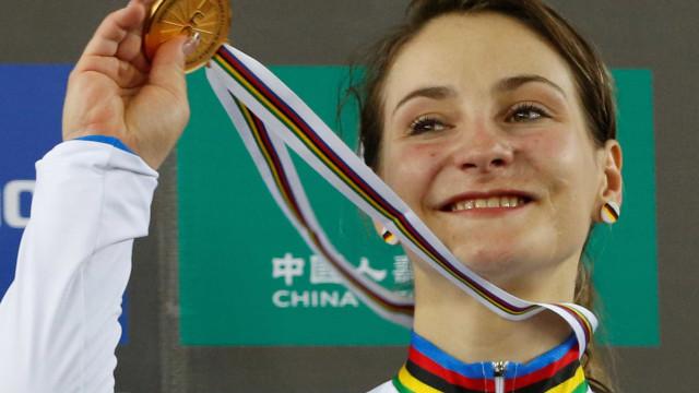 Bicampeã olímpica, ciclista fica tetraplégica após acidente em treino