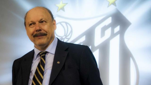 Conselho aprova, e sócios do Santos definirão impeachment de presidente