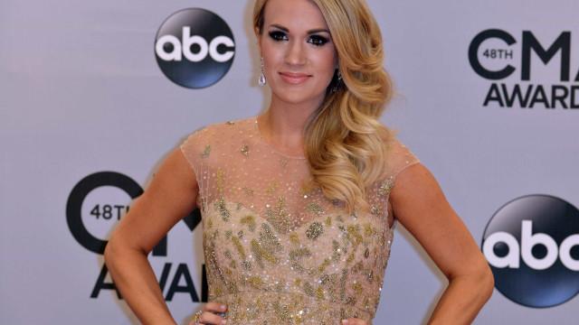 Grávida, Carrie Underwood afirma ter sofrido três abortos em um ano