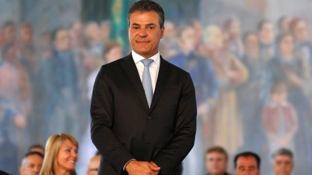 Coligação de Richa pede exclusão da candidatura do ex-governador