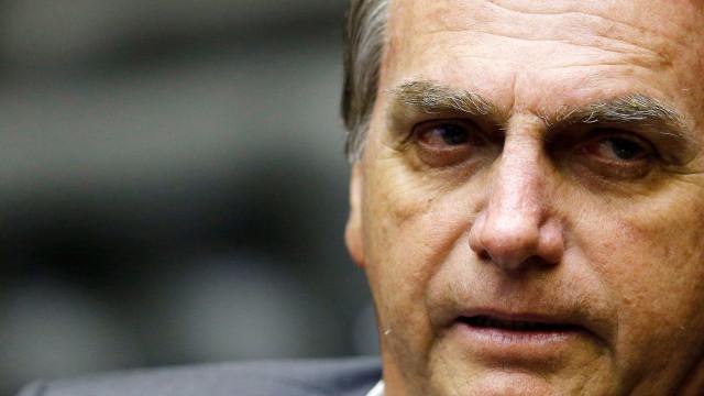 Bolsonaro deve ficar no Rio após alta e estuda ir a debate da Globo