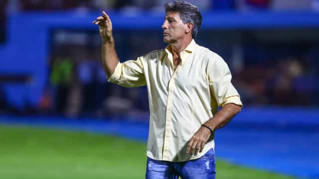 Presidente do Grêmio diz confiar em renovação com Renato