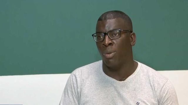 Professor agredido em sala de aula diz que teme pela vida