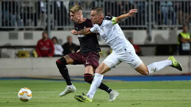 Milan sofre, mas bate estreante de Luxemburgo na Liga Europa