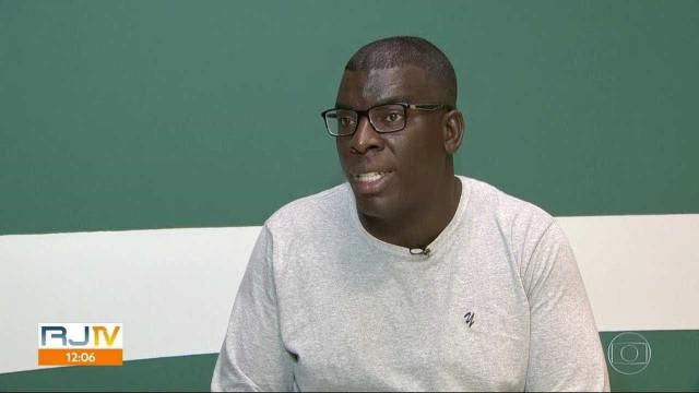 Professor pede demissão após ser humilhado por alunos durante prova
