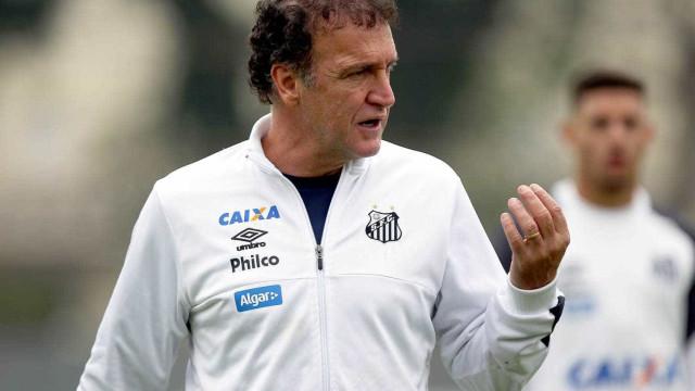 Cuca admite insucesso em trocas no Santos e vê empate justo no Pacaembu
