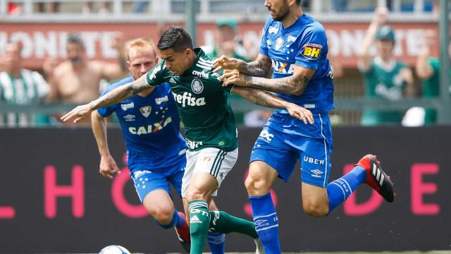 Palmeiras vence o Cruzeiro e assume liderança provisória do Brasileiro