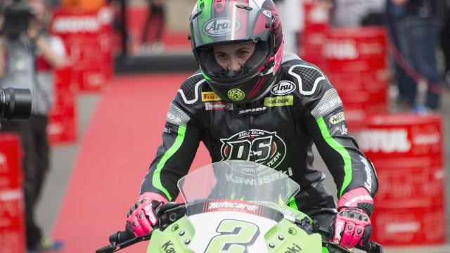 Espanhola se torna a primeira mulher a vencer mundial de motovelocidade