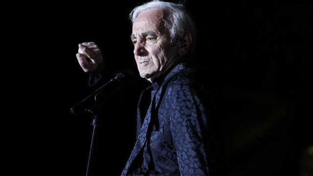 Morre aos 94 anos o cantor francês Charles Aznavour