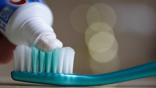 Conheça sete utilidades da pasta de dente