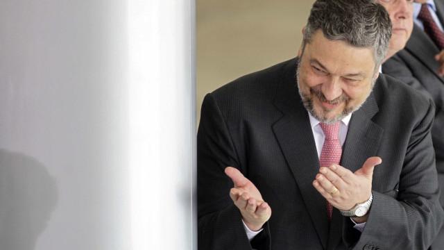 Moro quebra sigilo de delação de Palocci; Lula é citado