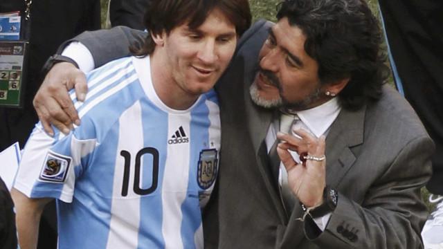 Maradona aconselha Messi a se aposentar da seleção