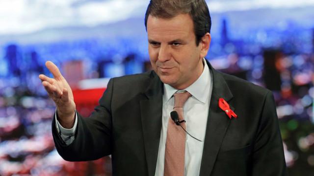 No RJ, Paes lidera com 25%, Garotinho tem 15% e Romário, 14%