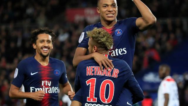 Mbappé desequilibra com quatro gols em vitória do PSG sobre o Lyon