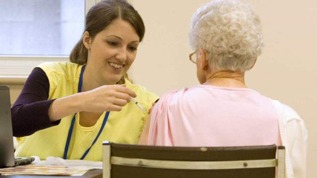 Anvisa aprova vacina influenza para idosos