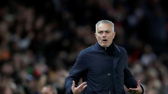 Mídia britânica cogita saída de Mourinho do Manchester United
