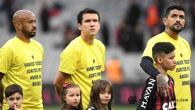 Atlético-PR é multado em R$ 70 mil por manifestação pró-Bolsonaro